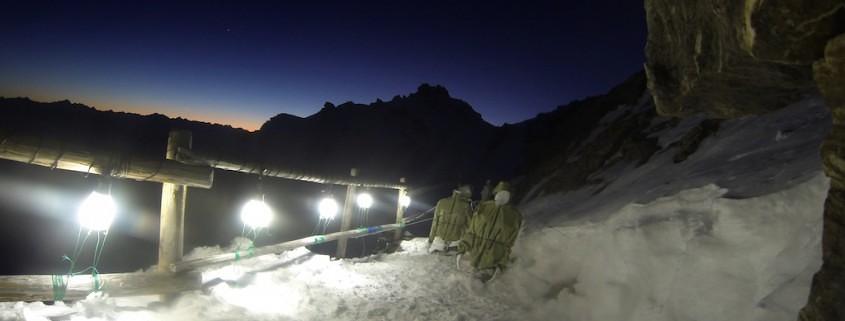 nachtaufnahme funktionsjacken test outdoorjacken im winter